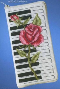 Схема Очечник роза на пианино
