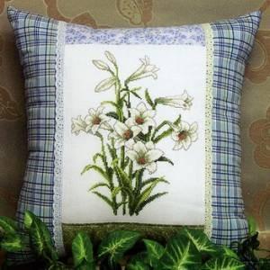 Схема Белые лилии. Подушка