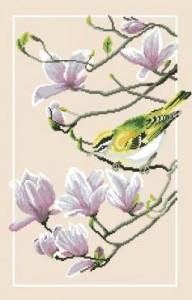Птичка на ветке магнолии