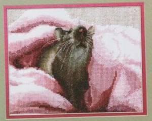 Мышка в розовом